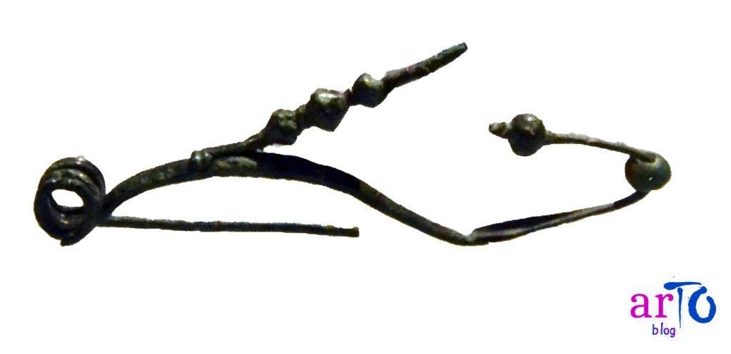 Manufatti taurini: fibula proveniente da Bric San Vito