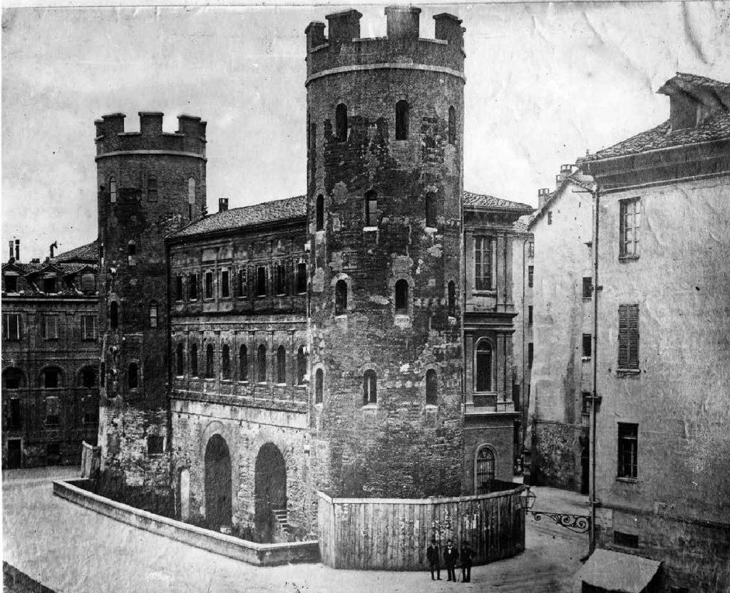 Porta Palatina nel corso dei secoli - La porta dopo i restauri del 1861-1873 ©Soprintendenzaper i Beni Archeologici del Piemonte e del Museo Antichità Egizie.