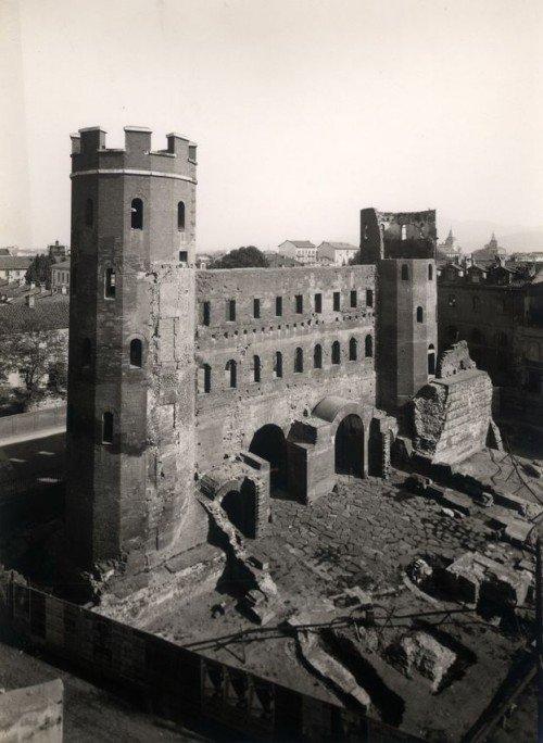 la porta palatina durante i lavori di scavo del 1934 - ©Fondazione Torino Musei, Archivio Fotografico, Fondo Mario Gabino