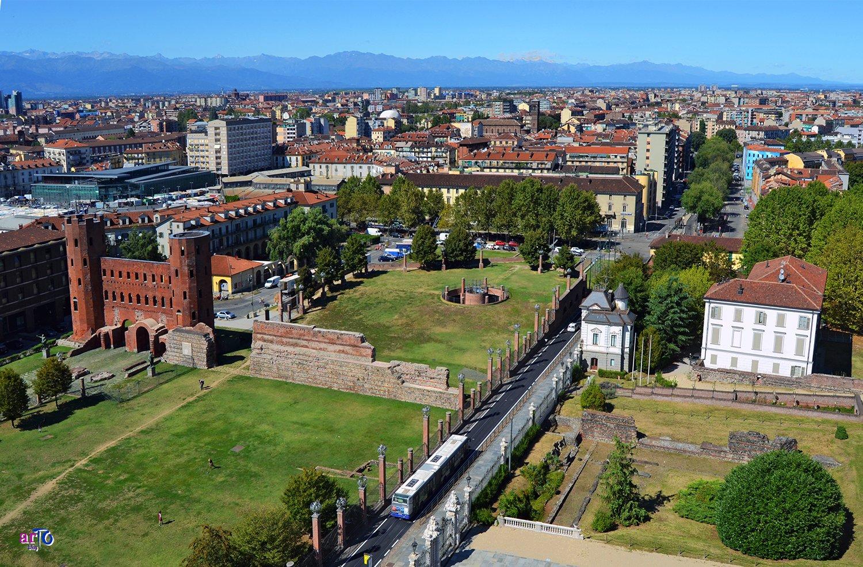 Porta Palatina nel corso dei secoli - Parco archeologico della Porta Palatina - veduta dall'alto