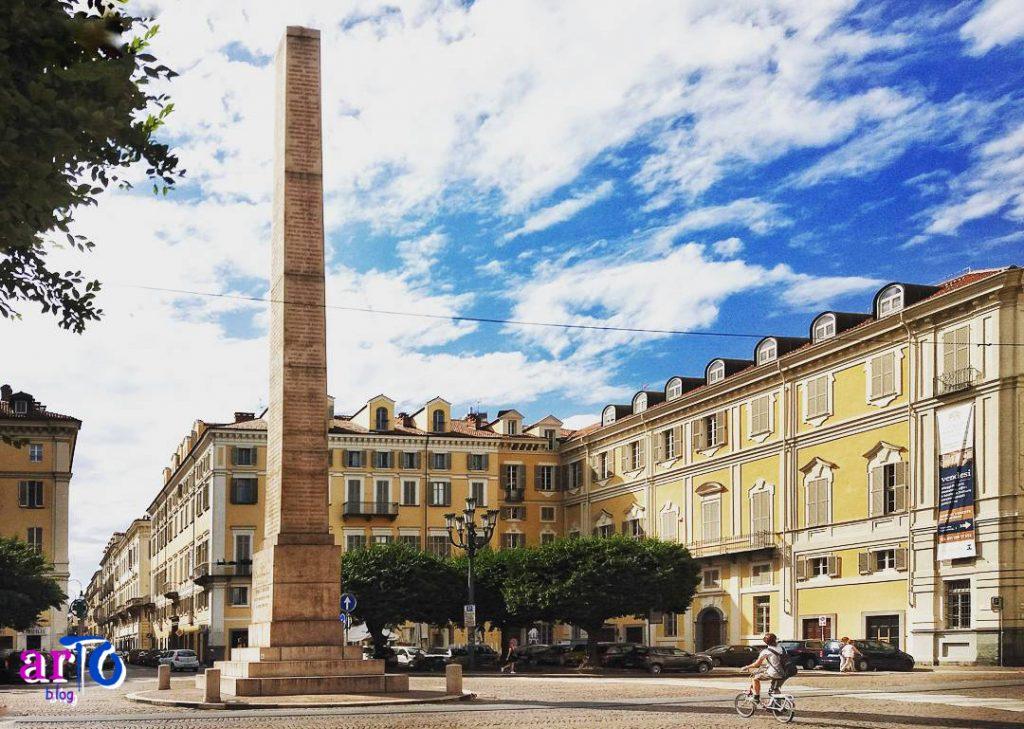 Piazza Savoia a Torino