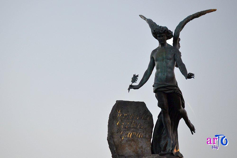 La mia galleria fotografica di Torino - Angelo in cima al monumento del Frejus a Torino