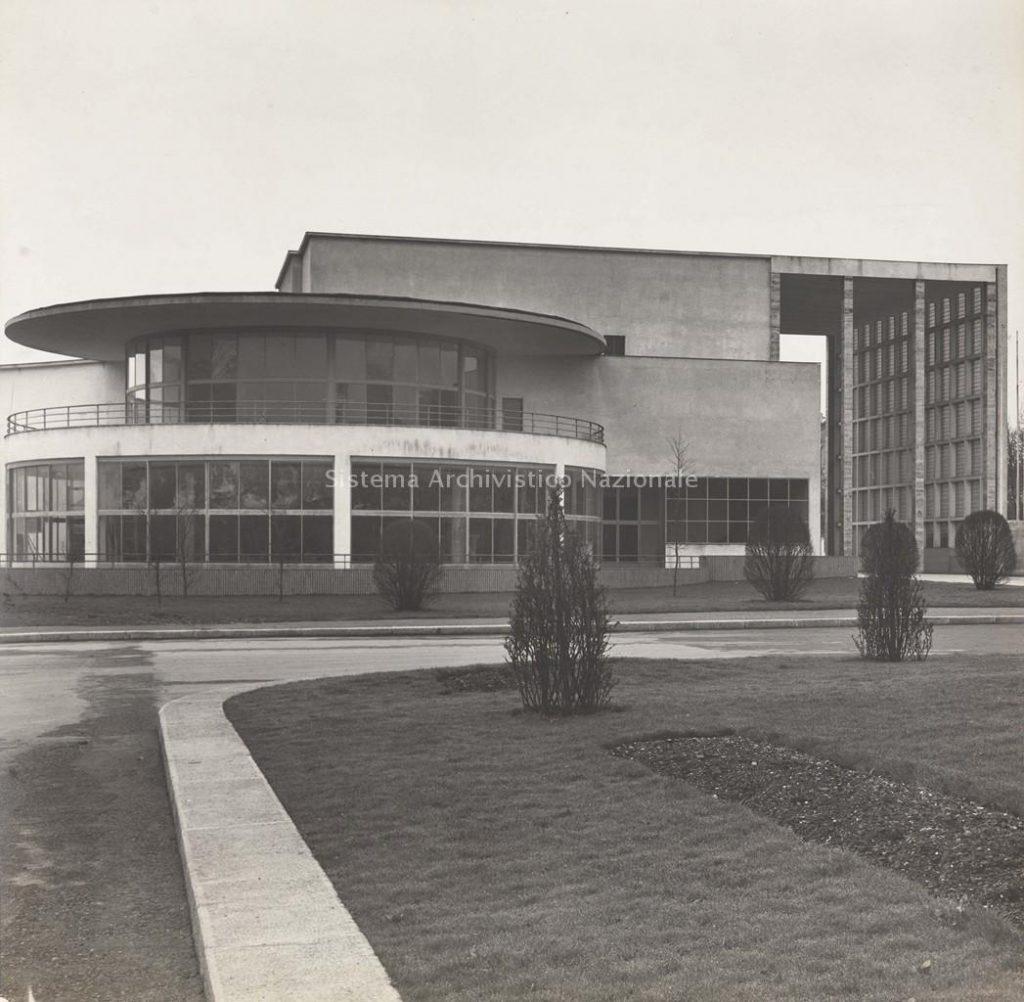 Palazzo della Moda di Torino, veduta esterna, 1936-1938 (Museo di arte moderna e contemporanea di Trento e Rovereto - MART. Archivio del '900, Fondo Sottsass sr. Ettore)