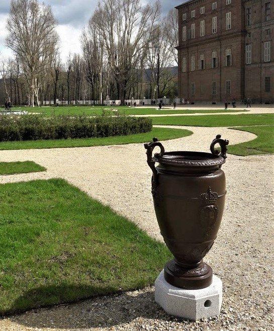uno dei vasi dei Giardini Reali di Torino ©MuseiRealiTorino